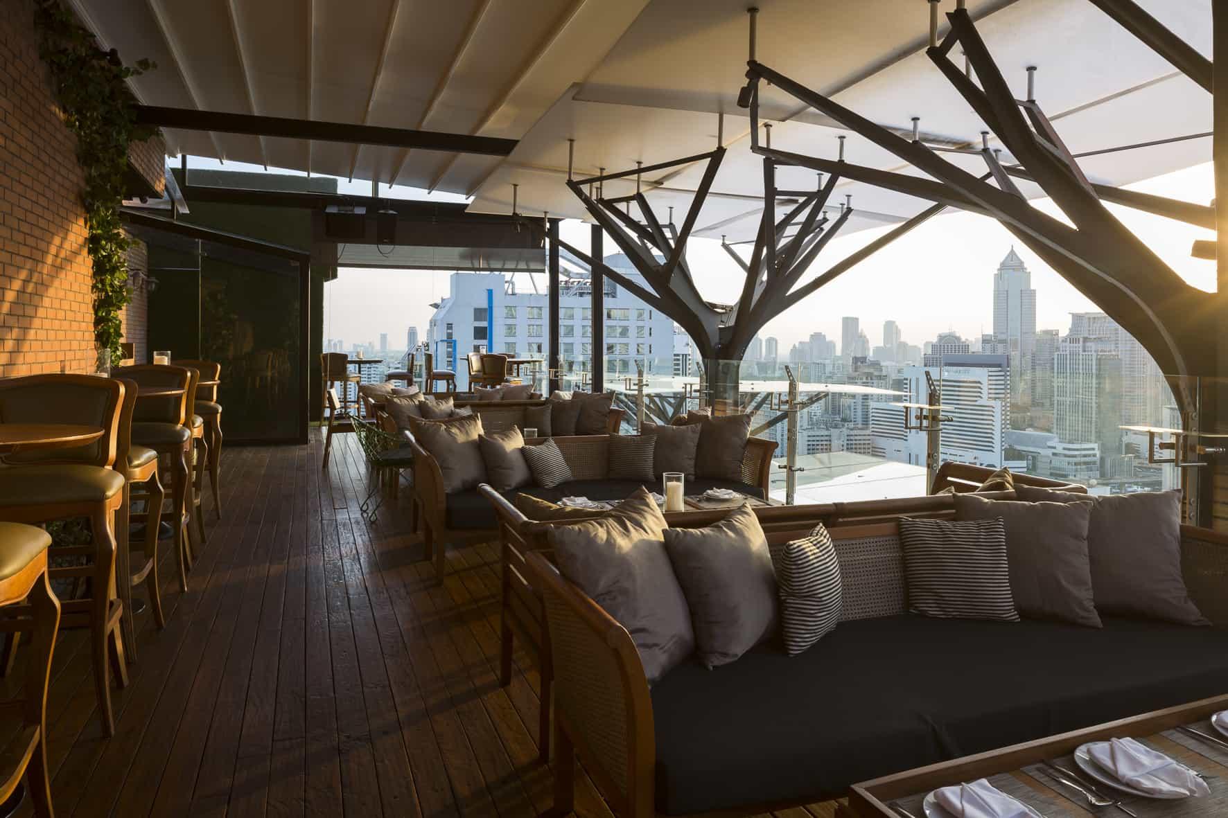 Above Eleven Sky Bar ở Bangkok